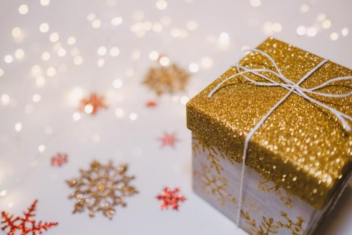 Christmas Breaks - holiday ring box